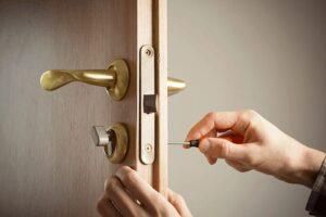 انواع و مدل های مختلف قفل و دستگیره درب